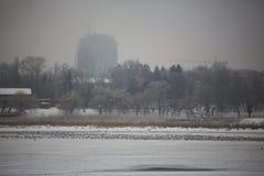 Stadt im Januar Stockbild