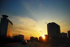 Stadt im Sonnenuntergang Lizenzfreie Stockfotos