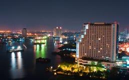 Stadt im Stadtzentrum gelegen nachts Lizenzfreies Stockfoto