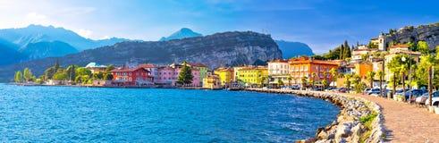 Stadt Lago di Garba von Torbole-Panoramablick stockfotos