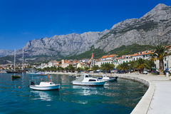 Stadt Makarska in Kroatien Stockfotografie