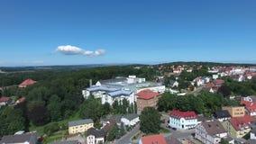 Stadt Mecklenburg Vogelperspektive-Bergen auf Ruegen Deutschland stock footage