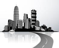 Stadt mit den Wolkenkratzern reflektiert im Wasser Lizenzfreie Stockfotos