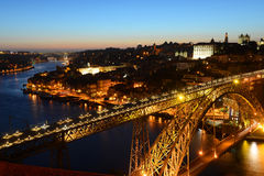 Stadt-Nachtansicht Porto alte, Porto, Portugal Stockbild