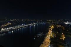 Stadt nachts, panoramische Szene Lizenzfreie Stockfotografie