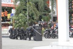 STADT-POLIZEI-ANTI-TERRORISTtrainings-SOLO JAWA TENGAH lizenzfreies stockbild