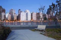Stadt Roosevelt Island River Walk News York Lizenzfreie Stockfotos