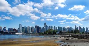 Stadt-Skyline Stockbild