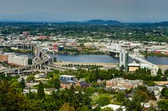Stadt-Skyline-Ansicht über die Vereinigten Staaten von Amerika Portlands Oregon stockfotografie