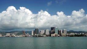 Stadt-Skyline-Metropole Hawaii Vereinigte Staaten interessanter Himmel-Honolulus im Stadtzentrum gelegene stock footage