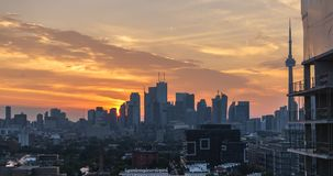 Stadt-Skyline-Real Estate-Sonnenaufgang Torontos moderner stock footage