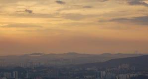 Stadt am Sonnenuntergang Stockfotos
