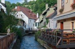 Stadt am sonnigen Tag, Cesky Krumlov, Tschechische Republik stockbild