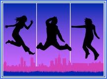 Stadt-springende Leute Lizenzfreie Stockbilder