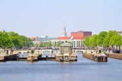 Stadt szenisch von Amsterdam mit in den Niederlanden Lizenzfreies Stockbild