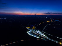 Stadt-Transport auf Nacht Stockfoto