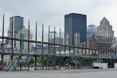 Stadt u. historische Brücke vom alten Hafen, Montreal, Quebec, Kanada Stockfotografie