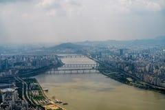 Stadt und Fluss Lizenzfreies Stockbild
