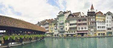 Stadt und Fluss Thun in Aare, die Schweiz Lizenzfreie Stockbilder