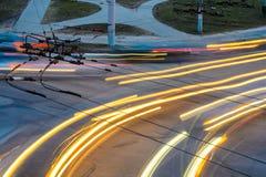 Stadt-Verkehr nachts stockfotografie
