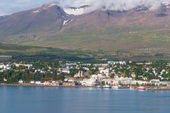 Stadt von Akureyri in Island lizenzfreies stockbild