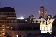 Stadt von Bukarest nachts Stockbilder