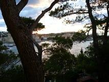 Stadt von Collioure entlang dem Mittelmeer stockfotografie