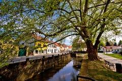 Stadt von Fluss und von Park Samobor Lizenzfreie Stockbilder