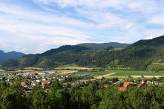 Stadt von Friesach, Kärnten, Ansicht von Petersberg zum Nordosten stockfotos