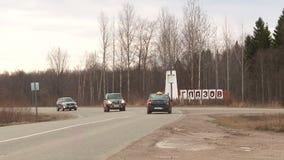 Stadt von Glazov im Herbst stock video