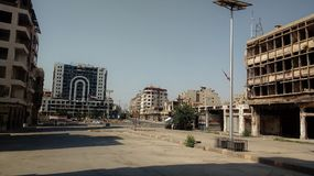 Stadt von homs nach Krieg stockfotos