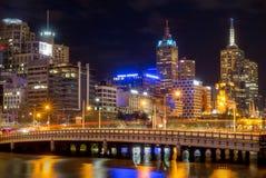 Stadt von Melbourne - Queens-Brücke stockfotografie