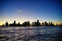 Stadt von Miami nachts lizenzfreies stockbild