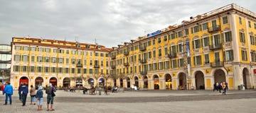 Stadt von Nizza - Architektur des Platzes Garibaldi in Vieille Ville Stockfotografie