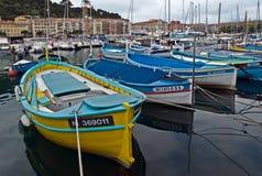Stadt von Nizza - bunte Boote Lizenzfreies Stockfoto