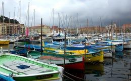 Stadt von Nizza, Frankreich - alte Boote im Hafen de Nice Stockbilder