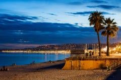 Stadt von Nizza in Frankreich an der Dämmerung Lizenzfreies Stockfoto