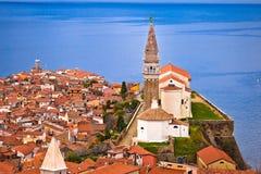 Stadt von Piran auf adriatisches Seehistorischen wahrzeichen und -dachspitzen VI Lizenzfreie Stockfotos