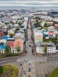 Stadt von Reykjavik von der Spitze Stockbild