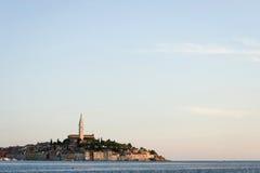 Stadt von Rovinj auf adriatischer Küste Lizenzfreie Stockfotografie