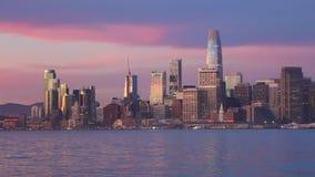 Stadt von San Francisco an der Dämmerung stock footage