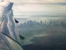 Stadt von Sydney von der Luft stockfotos
