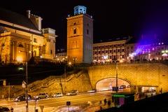 Stadt von Warschau nachts in Polen lizenzfreies stockbild