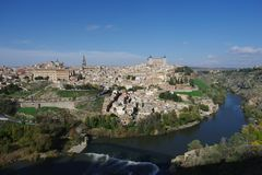 Stadtansicht über den Tajo nach Toledo stockfotografie