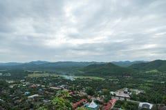 Stadtansicht am Tempel in Lamphun, Thailand lizenzfreie stockfotos