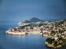 Stadtansicht und -küste Dubrovniks alte in Kroatien Stockbild