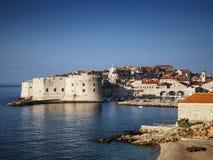 Stadtansicht und -küste Dubrovniks alte in Kroatien Stockfoto