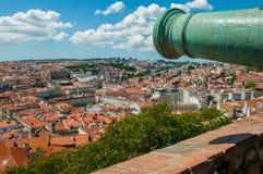 Stadtansicht von Castelo-Sao Jorge lizenzfreies stockbild