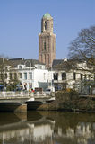 Stadtansicht von Zwolle, historischer Kirchturm Peperbu Stockfotografie