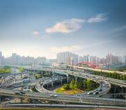Stadtaustausch in der Hauptverkehrszeit Stockfoto